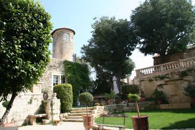chateau de Goult Cour intérieure